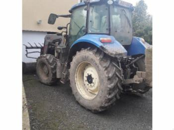 Wheel tractor New Holland T595