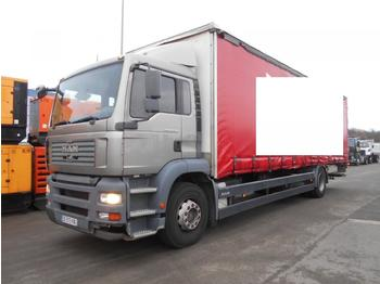 Curtainsider truck MAN TGA 18.320